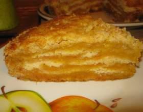 Готуємо смачну медово-яблучну шарлотку фото