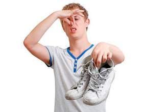 Як усунути неприємний запах поту у взутті фото
