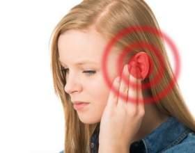 Чому може опухнути вухо всередині або зовні? фото